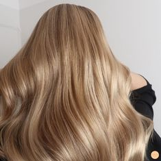 10 Biggest Spring/Summer 2020 Hair Color Trends You'll See Everywhere Honey Blonde Hair, Strawberry Blonde Hair, Summer Hairstyles, Messy Hairstyles, Blonde Hairstyles, New Hair 2018, Color Rubio, Peinados Pin Up, Hair Day