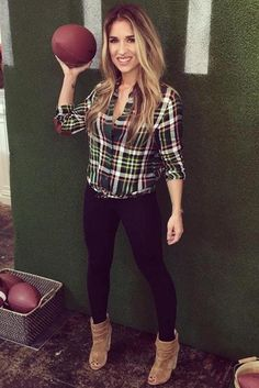 Jessie James Decker wearing Kittenish Button Up Plaid Shirt and Kristin Cavallari Laurel Peep Toe Booties in Dark Camel