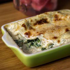 Cannelloni z serem ricotta i szpinakiem Spanakopita, Impreza, Ricotta, Cheddar, Dishes, Ethnic Recipes, Blog, Cheddar Cheese, Tablewares