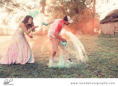 Color Powder Wedding Dress Photography - Trash the Dress - Engagment Photography - Wedding Photography