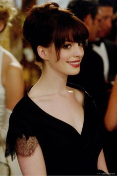 Andy Sachs (Anne Hathaway) The Devil Wears Prada Andy Sachs, Anne Hathaway Hair, Anne Jacqueline Hathaway, Moda Outfits, Devil Wears Prada, Gangnam Style, Models, Hollywood Actresses, Celebrity Photos