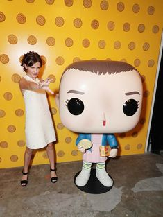 Pictures from the 'Stranger Things' 2017 Netflix FYSee Exhibit. Stranger Things Tumblr, Stranger Things 2017, Stranger Things Funko Pop, Stranger Things Actors, Bobby Brown Stranger Things, Stranger Things Season, Millie Bobby Brown, Enola Holmes, Funny Relatable Memes