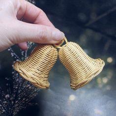 Vánoční pedigový zvonek, Vánoční ozdoba. Christmas tree decoration. Rattan weaving. basket, christmas bell, woven, christmas bell, nature, natural