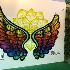 Graffiti Wall Art, Murals Street Art, Mural Wall Art, Street Art Graffiti, Picture Wall Staircase, Angel Wings Art, Flower Mural, Acrilic Paintings, Plaster Art