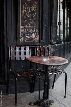 Café Saint Régis on Île Saint Louis, Paris IV, France