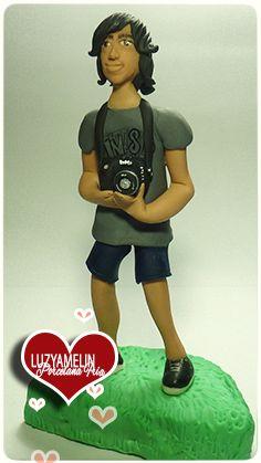 Futuro fotógrafo,  figura personalizada elaborada en Porcelana Fría por Luzyamelin customized figure made of cold porcelain by Luzyamelin https://www.facebook.com/luzyamelinArtwork?ref=ts&fref=ts
