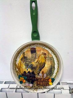 Rosabel manualidades: Decoupage con servilletas de papel Teacup Crafts, Jar Crafts, Wooden Spoon Crafts, Kitchen Pans, Family Crafts, Country Crafts, Shabby Vintage, Diy Crafts To Sell, Decoration