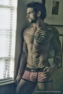 Stuart Reardon reviews, photos, picture gallery and more only: September 2013
