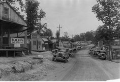 missouri 1930s   The main drag in Bagnell, Mo., in August 1930, during the construction ...