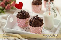 Muffin al cioccolato senza uova e burro, ricetta veloce per la colazione e la merenda. Muffin più leggeri, sofficissimi, ideali per intolleranti alle uova.