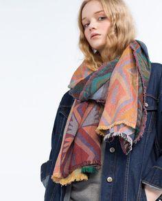 Image 2 of GEOMETRIC JACQUARD SCARF from Zara
