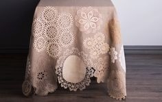 DIY: Vanhat pitsiliinat uusiokäyttöön - ompele kaunis pellavaliina - Kotiliesi.fi Reuse, Upcycle, Repurposed, Recycling, Blanket, Lace, Home Decor, Women, Fashion