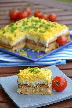 Sałatka na krakersach Whole Food Recipes, Healthy Recipes, High Protein Breakfast, Polish Recipes, Polish Food, Party Snacks, Diy Food, Finger Foods, Good Food