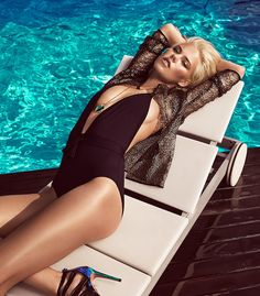 Summer, sun-kissed beauty from model Julia Almendra and photographer Jesus Alonso for Woman Spain