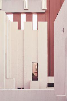 Photographer Nacho Alegre captures views of Ricardo Bofill's La Muralla Roja in Alicante.