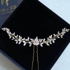 ✨Wedding headpin Ivy ✨ #veloefilo Head Pins, Wedding Hair Accessories, Ivy, Wedding Hairstyles, Diamond, Jewelry, Fashion, Moda, Jewlery