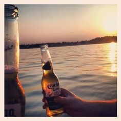 Summertime fun.    Shorely Chic (I'm not a fan of Corona, but any beer will do in a setting like this.)
