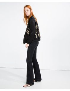 bomberjacke-mit-blumenstickerei-details by zara. #fashionableoutfit #impressive #fashiontrend #gorgeous #shoptagr