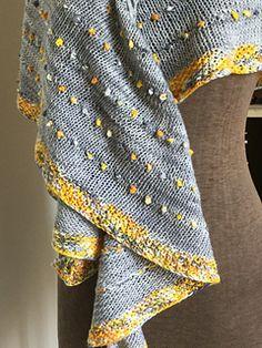 Ravelry: Dot Shawl pattern by Casapinka Shawl Patterns, Baby Knitting Patterns, Crochet Patterns, Knitting Ideas, Knitting Projects, Knitted Shawls, Crochet Shawl, Knit Crochet, Linen Stitch