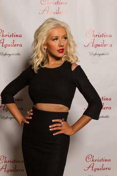Top 40 Most Beautiful Hair Looks of Christina Aguilera – Celebrities Female Christina Aguilera The Voice, Divas, Beautiful Christina, Medium Curls, Blonde Hair Looks, Edgy Chic, Long Faces, Sexy, Celebs