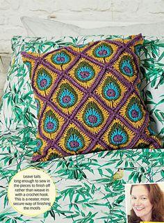 Crochet Now - - 2017 Crochet Motif, Crochet Stitches, Knit Crochet, Crochet Patterns, Crochet Classes, Peacock Pattern, Holly Hobbie, Crochet Crafts, Color Patterns