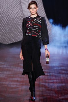 See the complete Olympia Le-Tan Fall 2014 Ready-to-Wear collection.