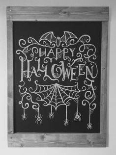 How to DIY Fall Chalkboard Doodles - Design DIY Ideas halloweentafel Chalkboard Doodles, Blackboard Art, Chalkboard Writing, Chalkboard Drawings, Chalkboard Lettering, Chalkboard Designs, Chalk Drawings, Chalkboard Ideas, Halloween Tafel