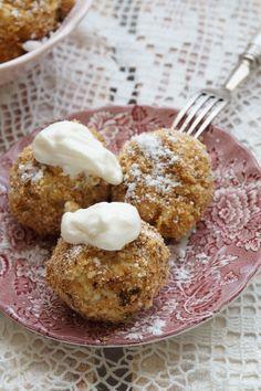 Kolleganőm életmódváltása ihlette ezt a receptet, egyik nap annyira ínycsiklandóan mesélt az ebédjéről, ami zabliszttel készült túrógombóc volt,... Salty Snacks, Yummy Snacks, Healthy Cookies, Healthy Desserts, Tart Recipes, Dessert Recipes, Sin Gluten, Diet Cake, Vegetarian Recepies