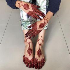 It's a perfect colour of henna Pretty Henna Designs, Wedding Mehndi Designs, Beautiful Mehndi Design, Bridal Mehndi Designs, Mehandi Designs, Tattoo Designs, Wedding Henna, Legs Mehndi Design, Mehndi Design Pictures