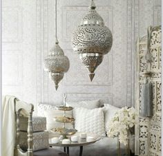White but ornate bedroom idea