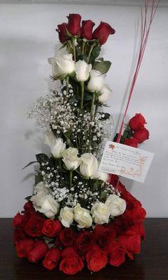 Amor y Amistad - Avada Lifestyle Gladiolus Arrangements, Church Flower Arrangements, Funeral Arrangements, Church Wedding Flowers, Corporate Flowers, Luxury Flowers, Victorian Flowers, Decoration Table, Silk Flowers