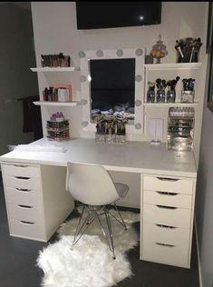 New Makeup Vanity Ideas Black Beauty Room Ideas Room Ideas Bedroom, Bedroom Decor, Doorm Room Ideas, Teen Bedroom, Bedroom Storage, Sala Glam, Vanity Room, Mirror Vanity, Closet Vanity