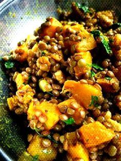 #lentilles #butternut #grenoble #lentils #curried #courge #squash #curry #noix #with #aux #and #au #la #et Lentilles au curry, à la ... How To Cook Squash, Kung Pao Chicken, Grenoble, Lentils, Pork, Cooking, Ethnic Recipes, Sweet, Gourd