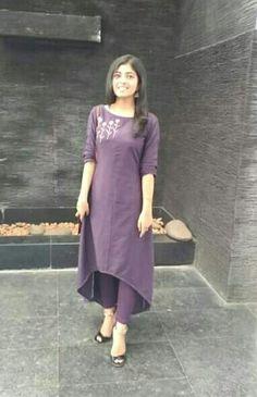 Simple Kurta Designs, Kurta Designs Women, Blouse Designs, Kurtha Designs, Kalamkari Dresses, Beautiful Pakistani Dresses, Churidar Designs, Kurta Neck Design, Kids Frocks Design