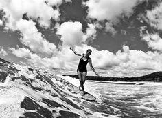 Moo surf - Nice black and white surf shot.