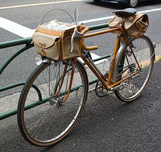 this bike belongs to a man (or woman) of casual leisure #bikes #bags #saddlebags