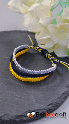 Discover our Nylon thread in various colors and sizes. Diy Bracelets Video, Diy Friendship Bracelets Tutorial, Friendship Bracelets Designs, Thread Bracelets, Bracelet Crafts, Bracelet Tutorial, Jewelry Crafts, Macrame Tutorial, Loom Bracelets