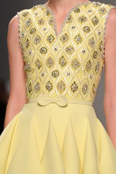 View all the detailed photos of the Georges Hobeika haute couture spring 2015 showing at Paris fashion week. Read the article to see the full gallery. Style Haute Couture, Couture Details, Fashion Details, Couture Fashion, Runway Fashion, Womens Fashion, Fashion Design, Paris Fashion, Couture Embroidery