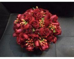 Tessy Boutique Floral (En San Juan del Río) / ramo de novia rojo #boda