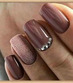 best shiny and shiny silver nail designs (page - best models of shiny and shiny silver nails (page Guide to silver nail polish When the weath - Silver Nails, Pink Nails, Glitter Nails, Matte Gray Nails, Shellac Nails Fall, Purple Glitter, Stylish Nails, Trendy Nails, Nail Polish Designs