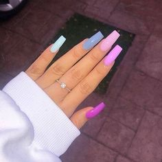 Square Acrylic Nails Designs You Have to Try - Nail Art Connect Summer Acrylic Nails, Best Acrylic Nails, Acrylic Nail Designs, Long Square Acrylic Nails, Painted Acrylic Nails, Gem Nail Designs, Long Square Nails, Acrylic Nail Shapes, Pink Acrylics