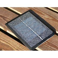 Bookeen - couverture solaire - 60€ Couverture permettant de recharger sa liseuse grâce à l'énergie solaire. (Panneau photovoltaïque)