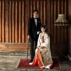 コンセプト・プラン・アクセス│大正ロマンな鎌倉の結婚式場・和婚ウェディングは萬屋本店 Wedding Images, Wedding Pics, Wedding Shoot, Wedding Styles, Wedding Kimono, Wedding Dresses, Red Grey Wedding, Marriage Dress, Japanese Wedding