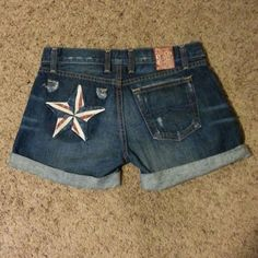 Lucky Jean Shorts Medium wash cotton denim jean shorts with rolled cuffs front pockets and one back pocket star design on back super cute! Lucky Brand Shorts Jean Shorts