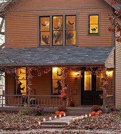 des stickers autocollants sur les fenêtres pour Halloween Halloween Fun, Halloween Veranda, Halloween Horror Nights, Outdoor Halloween, Halloween House, Holidays Halloween, Halloween Window, Usa Holidays, Halloween Countdown