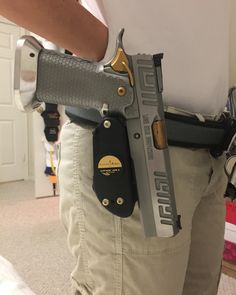 pairing up this Lmt 40 with Ernie Hill Speed belt and Guga Ribas universal holster! Weapons Guns, Guns And Ammo, Handgun, Firearms, Airsoft, Striker Fired, Custom 1911, Trap Shooting, Gun Art