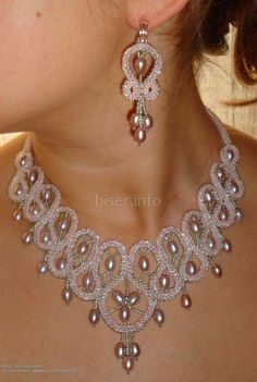 Diy Crafts - -The pattern of precious jewelry making is making use of irregular cut and natural stones. Beaded Necklace Patterns, Beaded Jewelry Designs, Bead Jewellery, Seed Bead Jewelry, Beaded Earrings, Beading Patterns, Handmade Jewelry, Necklace Designs, Handmade Wire