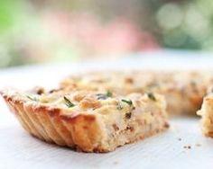Tarte au chou-fleur, jambon et crème poivre : http://www.cuisineaz.com/recettes/tarte-au-chou-fleur-jambon-et-creme-poivre-79354.aspx