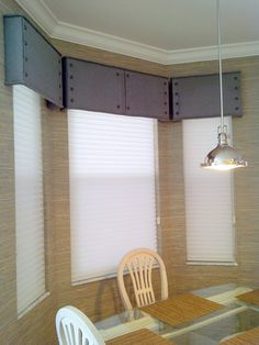 upholstered cornices with decorative nail trim.- upholstered cornices with decorative nail trim. Grass clothe wallpaper and Hunt… upholstered cornices with decorative nail trim. Grass clothe wallpaper and Hunter Douglas silhouette shades. Window Cornice Diy, Window Cornices, Window Coverings, Cornice Ideas, Grey Kitchen Curtains, Farmhouse Kitchen Curtains, Corner Window Treatments, Custom Window Treatments, Cornice Boards