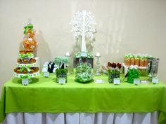 Mesa de dulces en verde boda